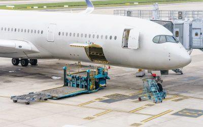 ¿De qué material están hechos los aviones y por qué?