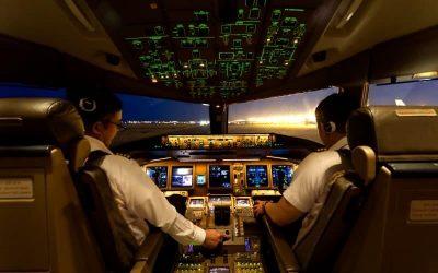 ¿Por qué los aviones tienen 2 pilotos en la cabina?